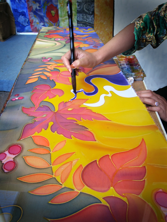 hand-painting-on-silk